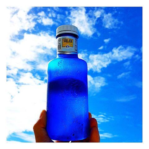 garrafa azul